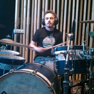 Frankie Muniz drumming for 'You Hang Up'