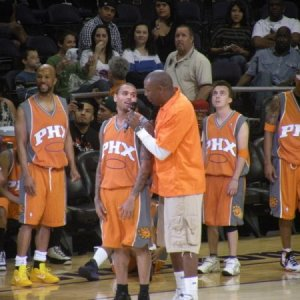 Frankie at Phoenix Suns Celebrity Shootout 2011